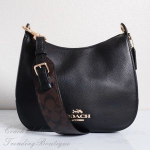 NWT Coach Jes Hobo with Signature Strap